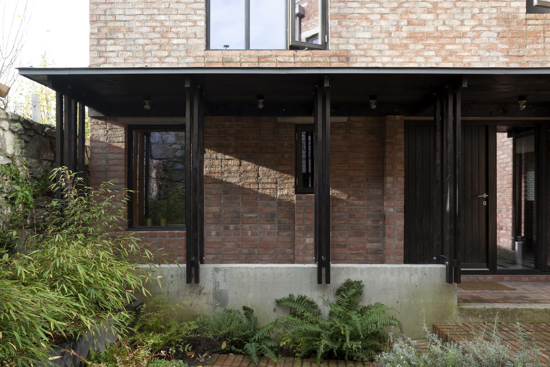 A house, Coach House & Garden